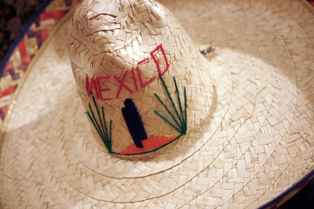 Мексиканский язык, Русско-Испанский разговорник.