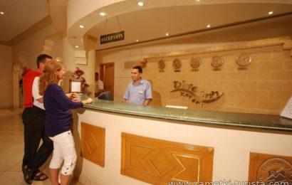 Правила поведения в отеле и покупка сувениров.