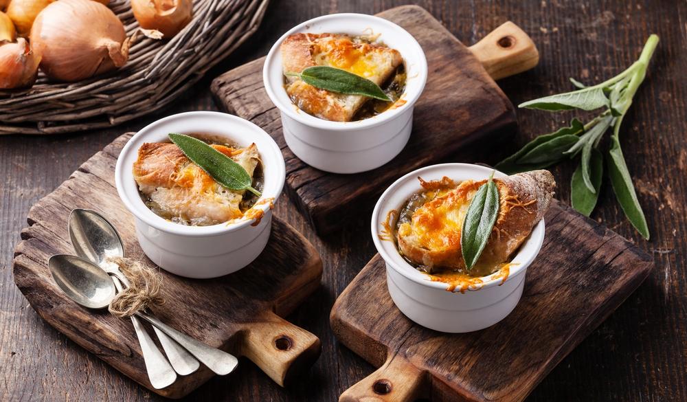 Франция, французская кухня, луковый суп