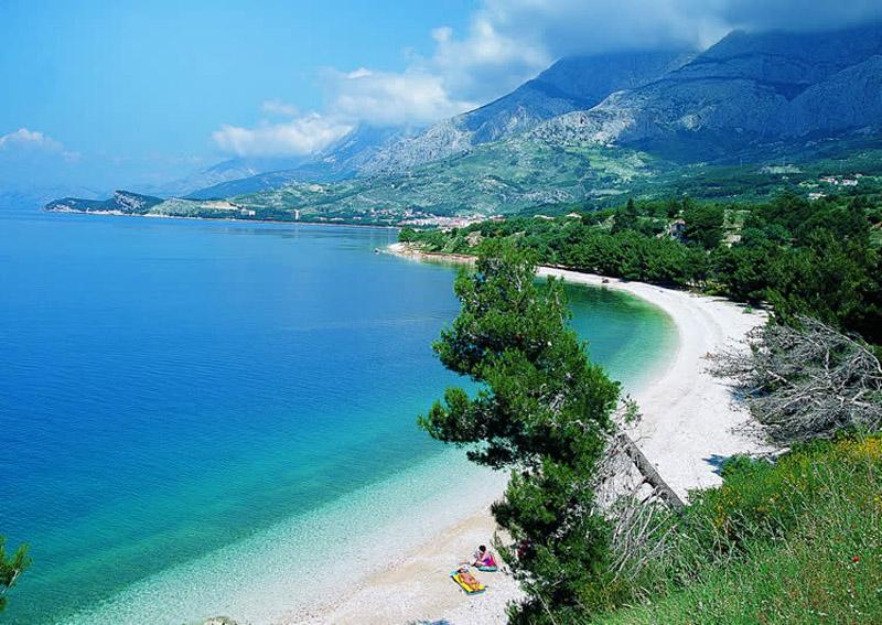 Хорватия, пляж, Адриатическое море, пляжный отдых, сосны, горы
