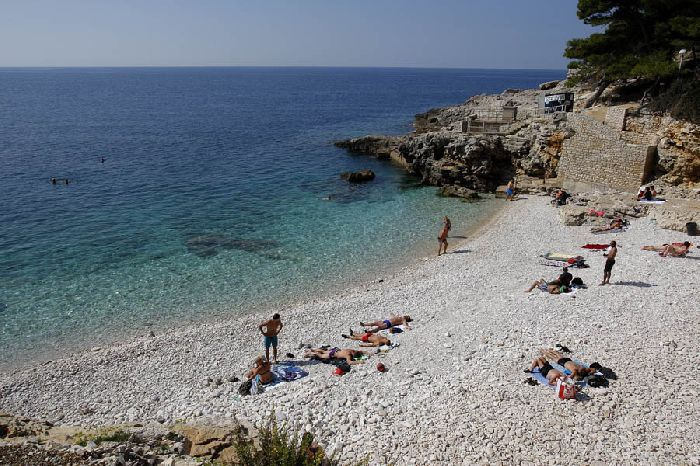 Хорватия, город Пула, Адриатическое море, пляж, отдых
