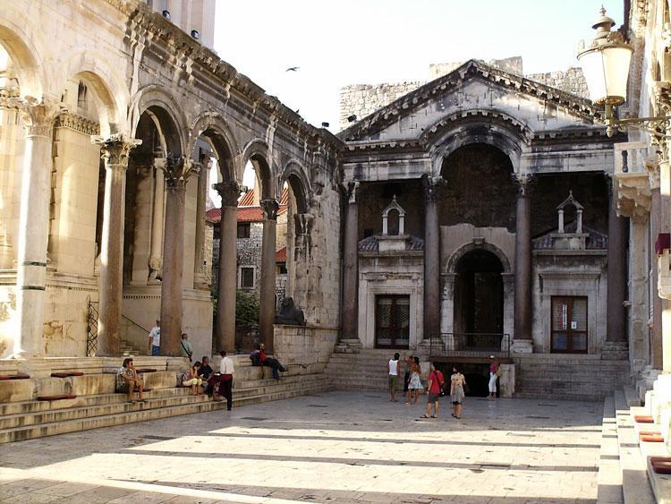 Хорватия, город - курорт Сплит, экскурсии, достопримечательности,дворец Диоклетиана