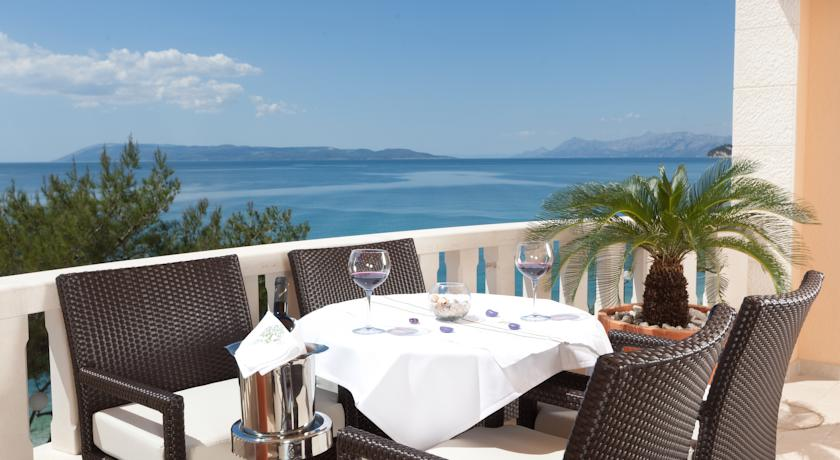 Хорватия, Тучепи, курорт, отель, вид на Адриатическое море