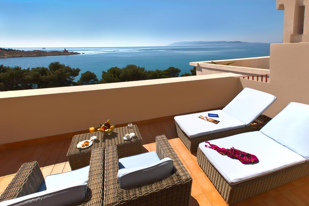Хорватия, город Макарска, курорт, Адриатическое море, отель, вид с балкона