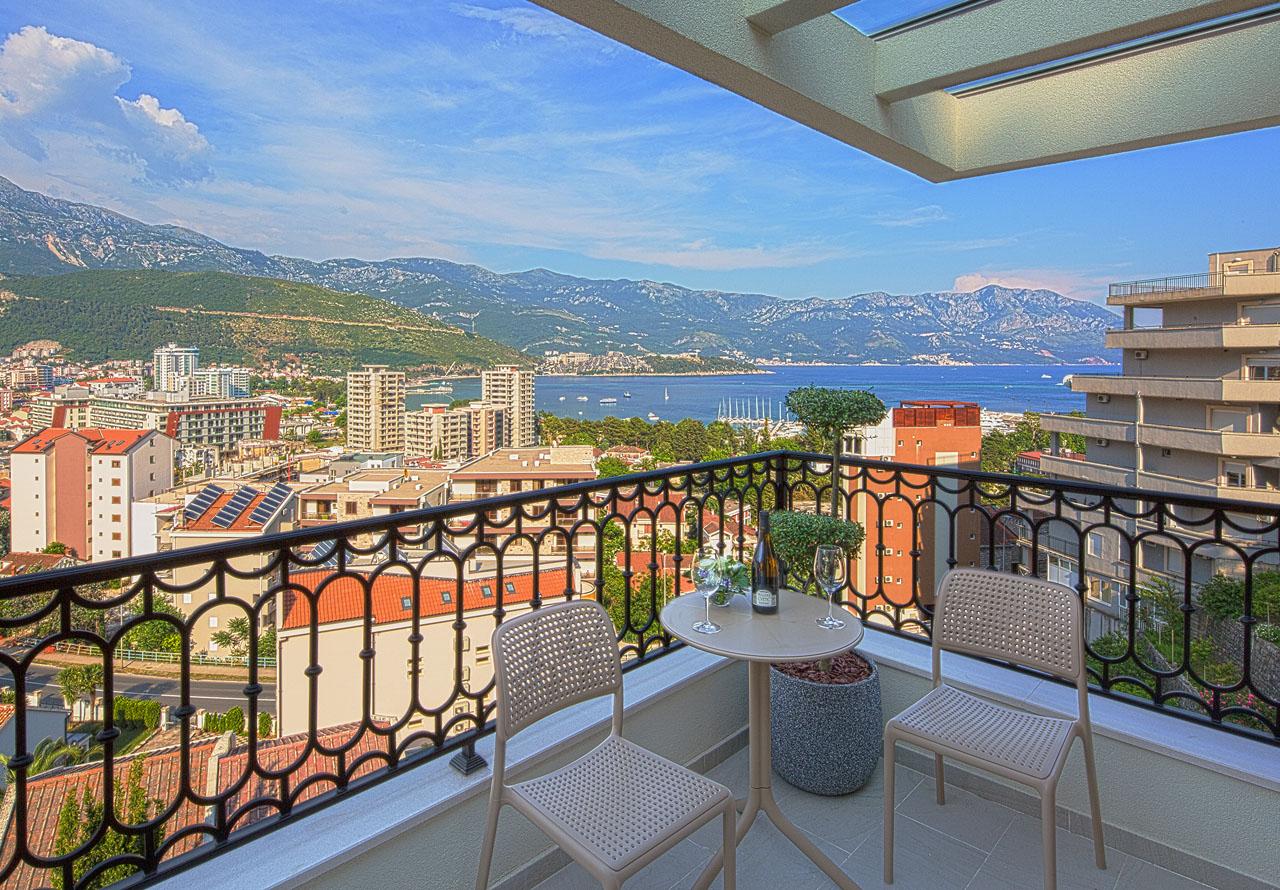 Черногория, город Будва, Адриатическое море, курорт, вид с отеля