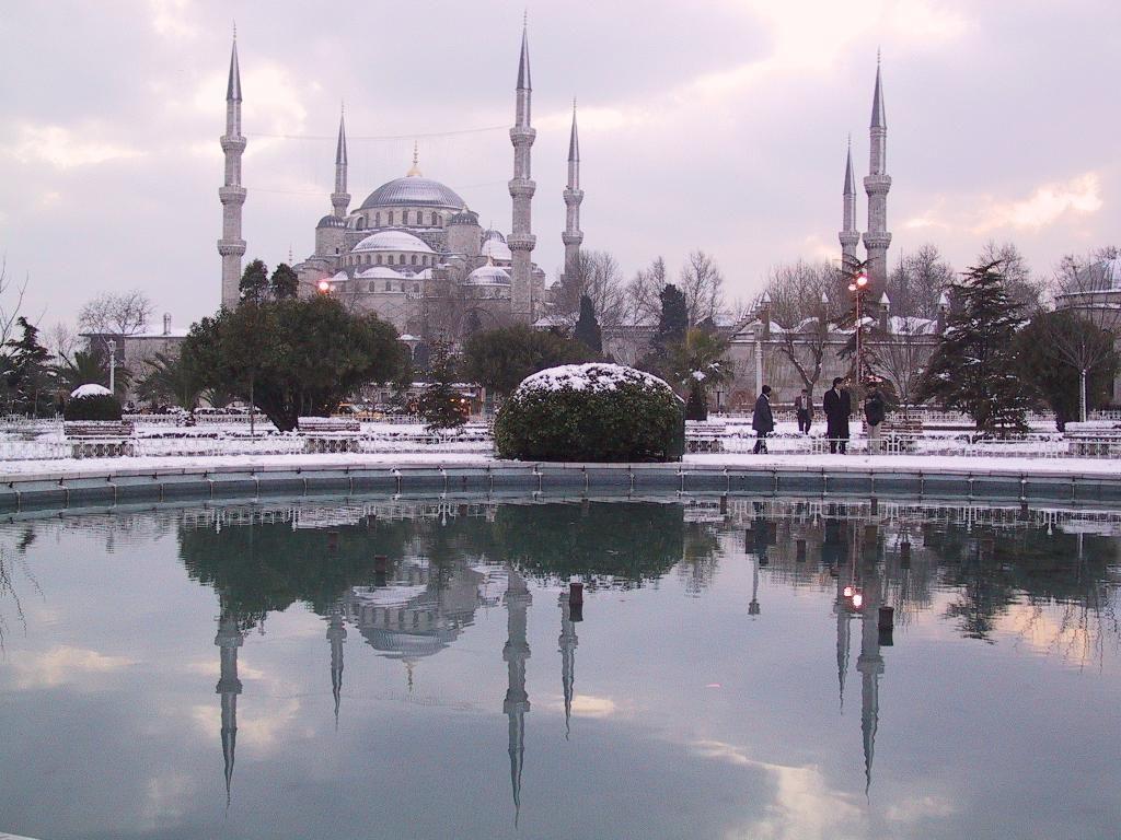Стамбул, Турция, отдых зимой