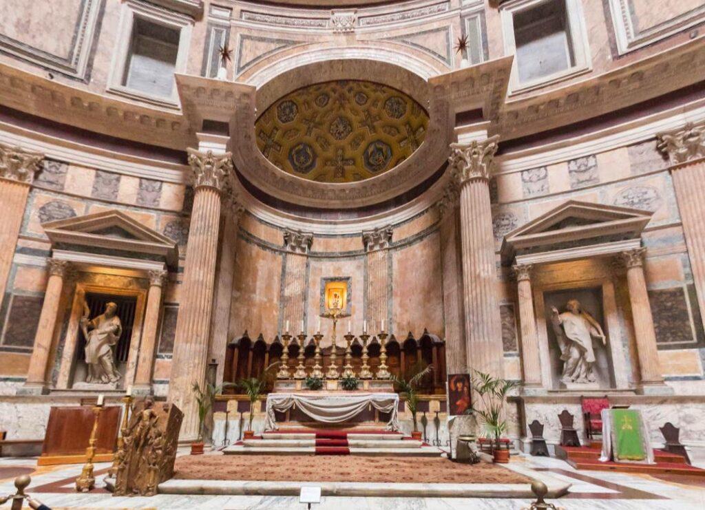 Пантеон внутри Рим