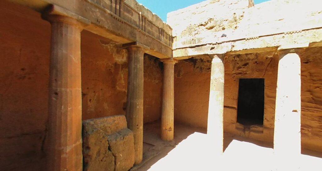Царские гробницы Пафос