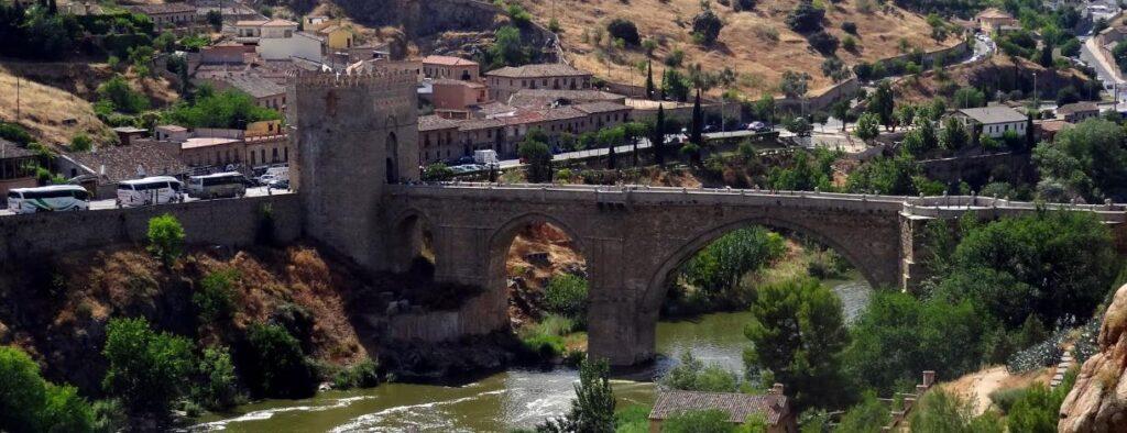 Мост Пуэнте-де-Сан-Мартин