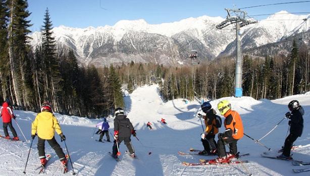 Сочи, Россия, достопримечательности, развлечения, зимний Сочи, катание на лыжах