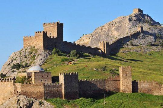 Судак, полуостров Крым, Россия, достопримечательности, отдых в Судаке, Генуэзская крепость