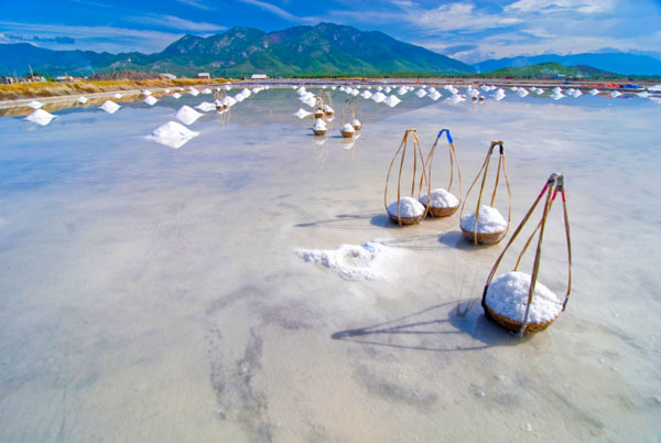 Соляные поля Хон Хой