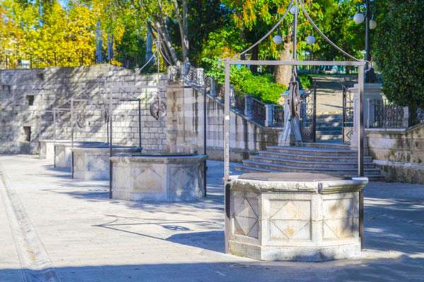 Площадь пяти колодцев (Trg Pet Bunara)